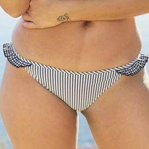 Aerie Seersucker Ruffle Bikini Bottom Navy/Wht XL